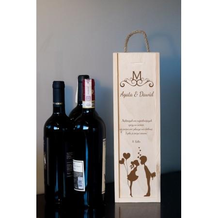 Ozdobne pudełko na wino z grawerem CAŁUSEK