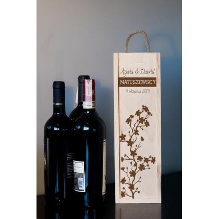 Ozdobne pudełko na wino z grawerem KWIAT