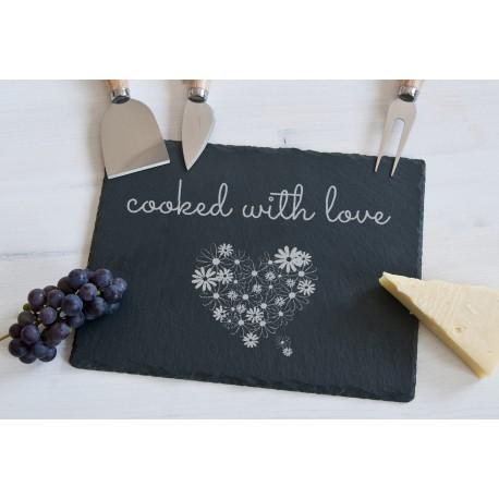 """Deska do serów z akcesoriami """"cooked with love"""""""