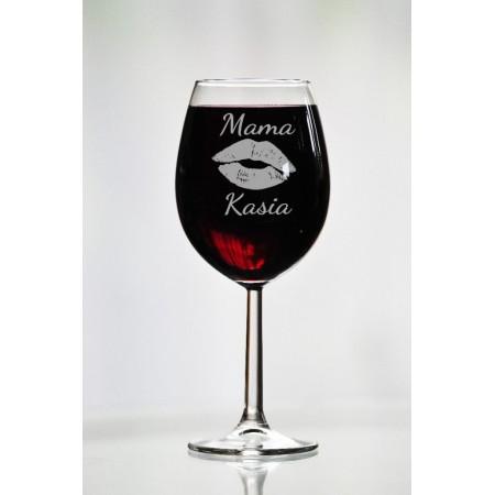 Personalizowany kieliszek do wina z motywem ust dla mamy